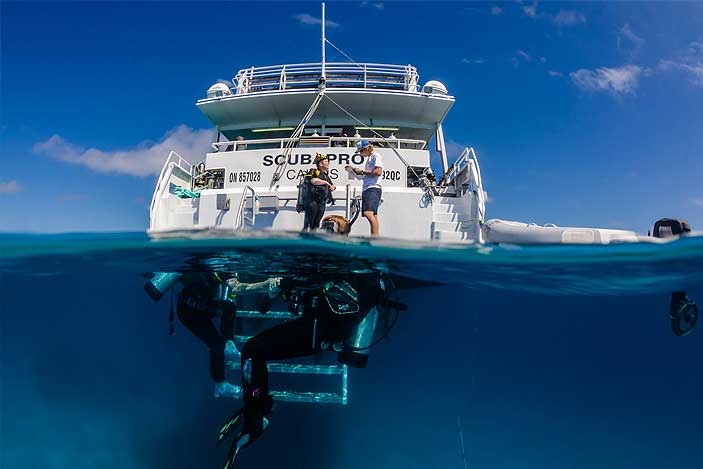Great barrier reef tours from cairns port douglas fitzroy island - Pro dive cairns ...