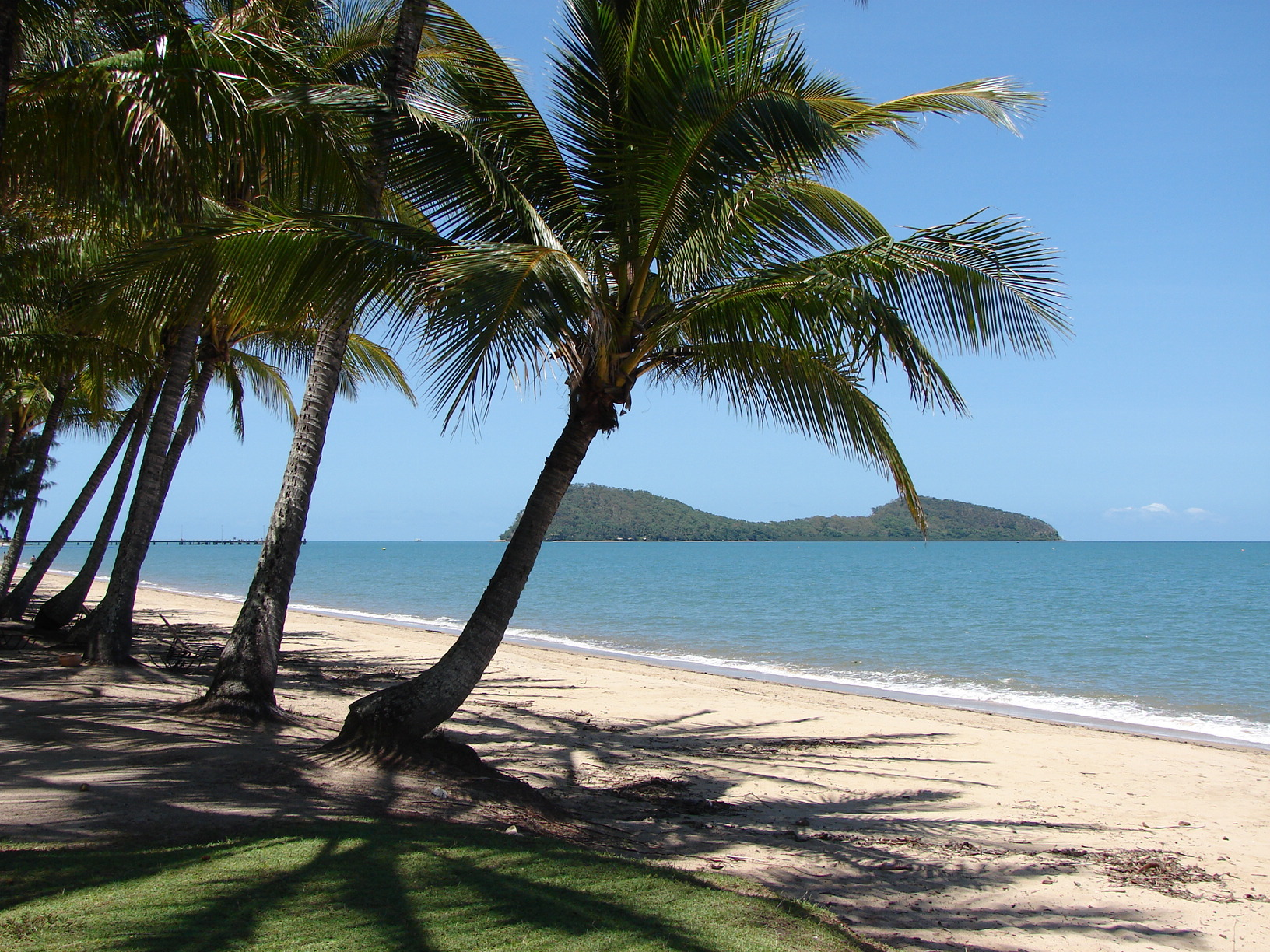 Best Places to Go Stand Up Paddle Boarding Near Cairns Double Island, near Palm Cove