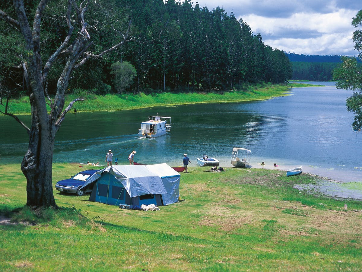 Four Amazing Camping Spots Near Cairns, Tropical Far North Queensland Lake Tinaroo